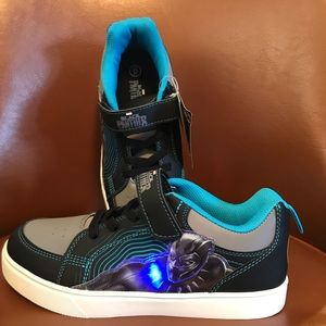 Other - Boys Size 6 Black Panther Light Up Shoes